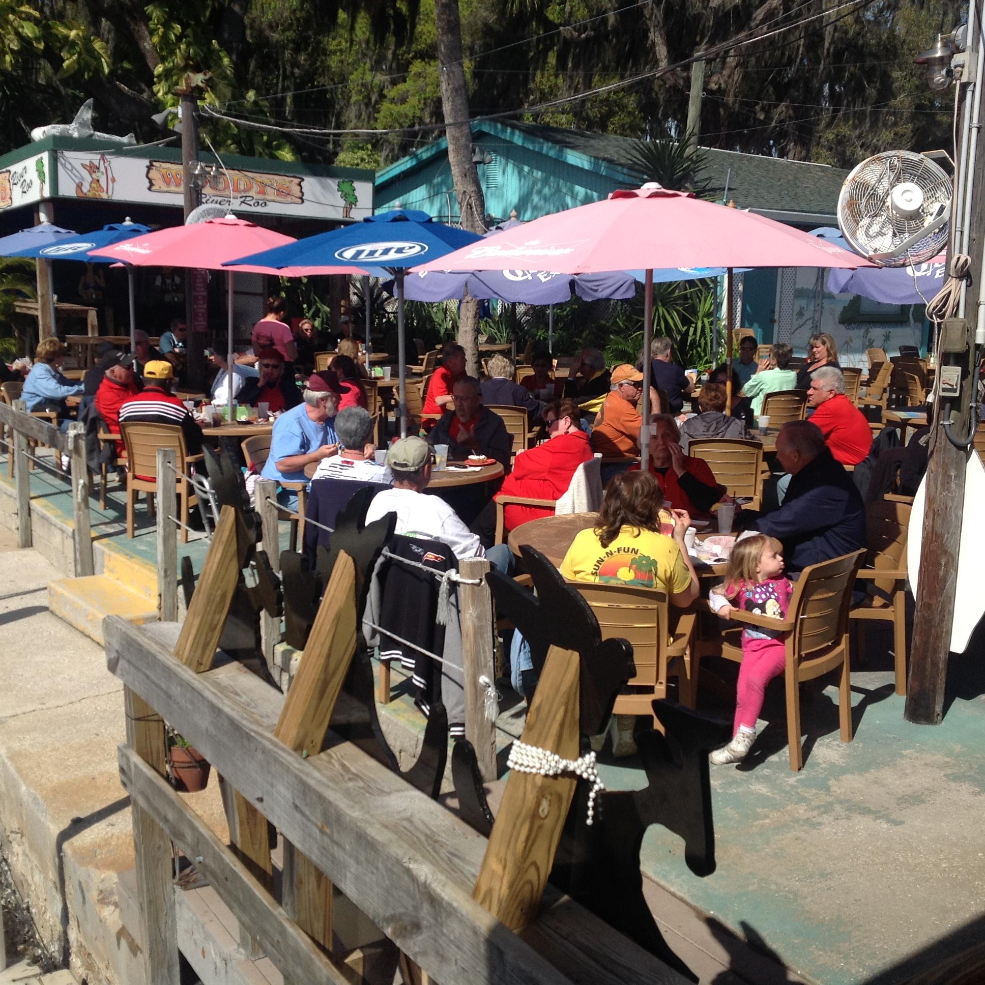 14-Lunch Crowd.JPG