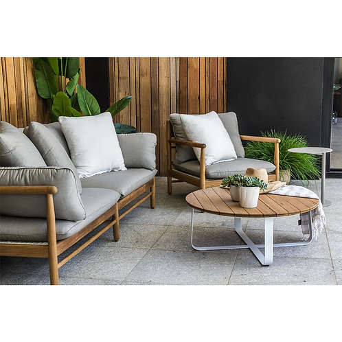 outdoor sofas. outdoor lounges. outdoor furniture. outdoor chairs