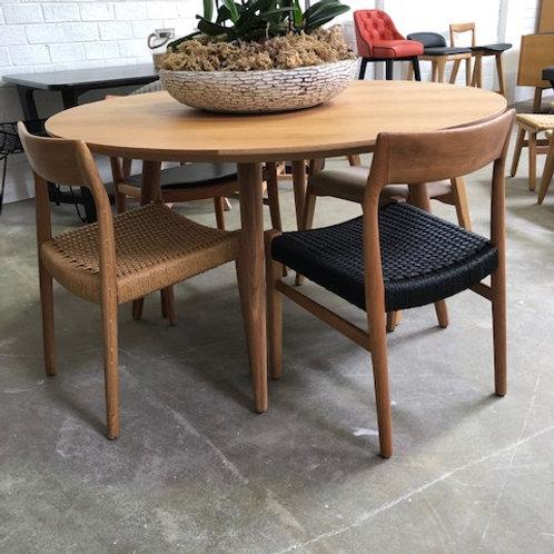 dining chair.chair.dining room.furniture.Scandinavian Furniture. Danish Design.