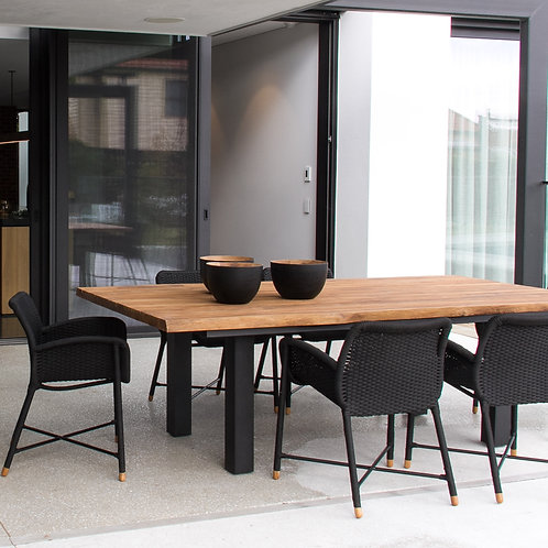 dining room. dining chair.chair.furniture.Sage Lifestyle.Outdoor furniture.outdoor dining chairs. rattan dining chairs.