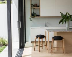 kitchen & barstools