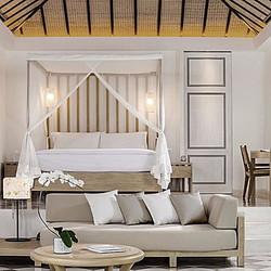 custom resort bed