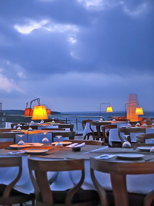 breakfast chairs outdoor