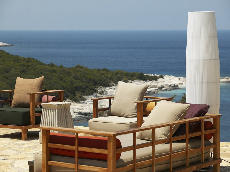 outdoor resort furniture