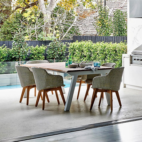 outdoor dining chairs.dining chairs.outdoor furniture.