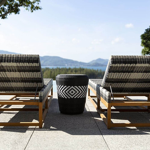 sun loungers. daybeds. outdoor lounges. outdoor furniture. pool furniture