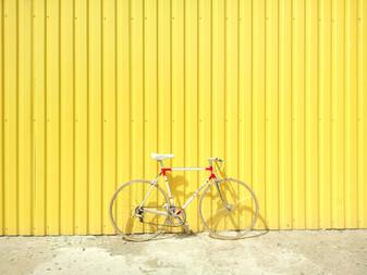 Openslaande deuren nefast voor fietsers (De Morgen)