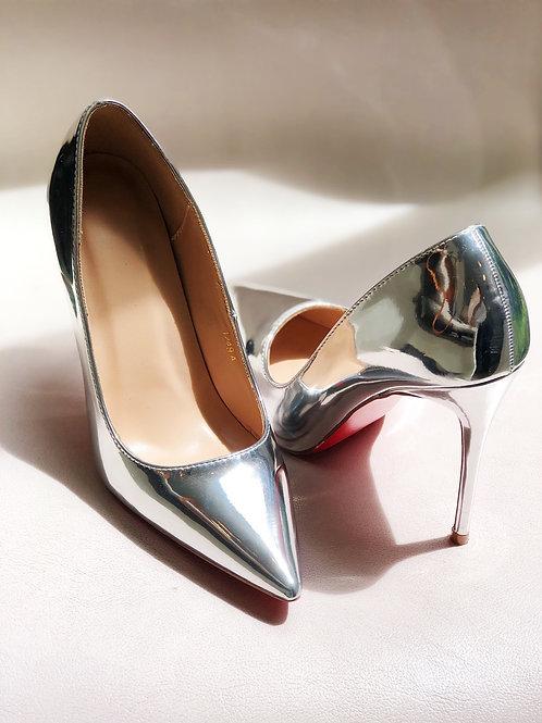 shoe silver metallic