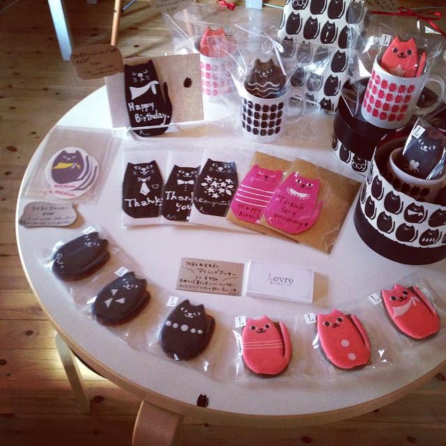 Facebook - クロネコ&モモネコWORLD✴︎  #軽井沢#リカラボ#クロネコ #アイシングクッキー  #手作りカード