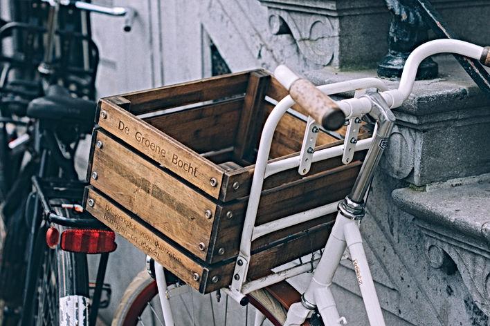 Bicicleta com uma cesta