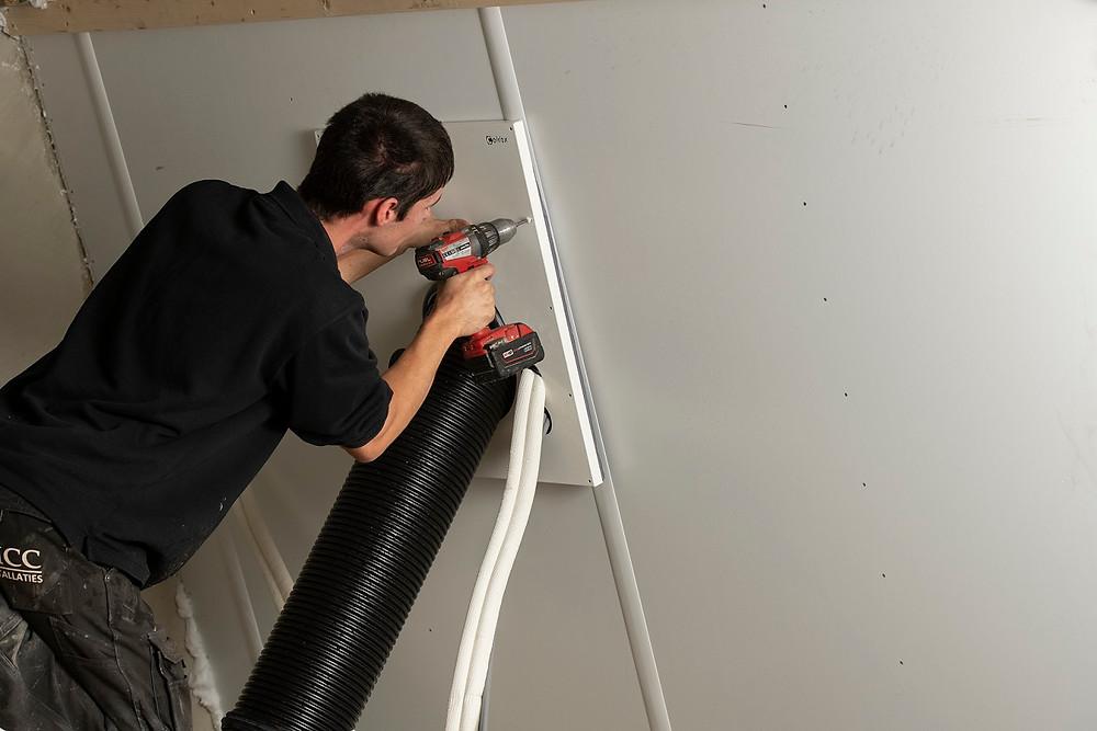 Celdex ontwikkelde een meervoudige dakdoorvoer manchet op maat voor de installaties.