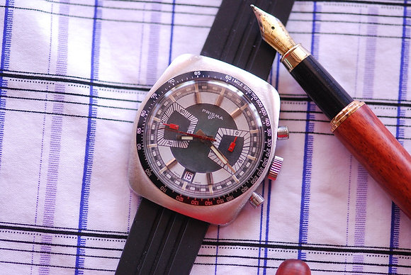 1970's ATTRACTIVE PRISMA CHRONOGRAPH