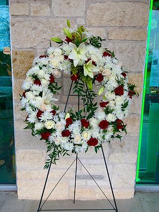 Red & White Wreath - W6