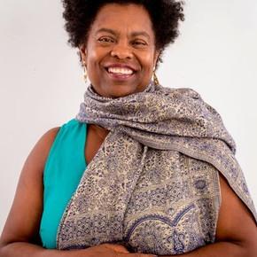 A poeta Jovina Souza será homenageada pelo Movimento Exploesia
