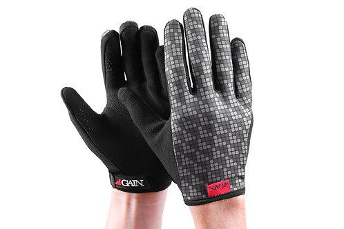 W GAIN Elastic Kevlar Gloves - Logo
