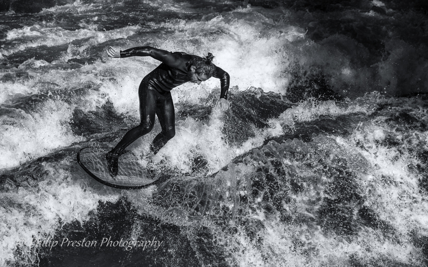 River Surfer, Munich