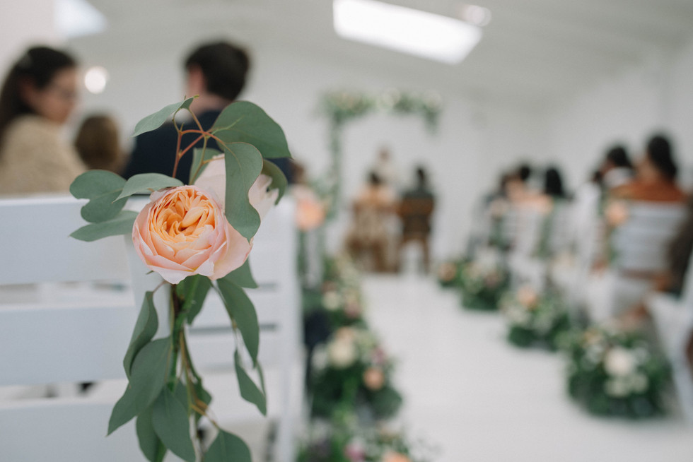 boda-organica-en-el-cielo-flores-vestido-de-novia-vestido-de-flores-catalina-bayona-boda-catolica-said-moda-matrimonio-calera-decoracion-eventos