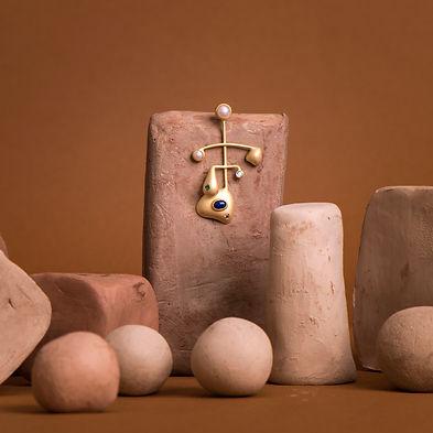 brinco em vermeil e pedras preciosas