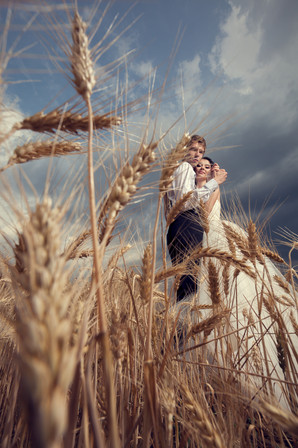 Married-couple-on-farm-409015.jpg