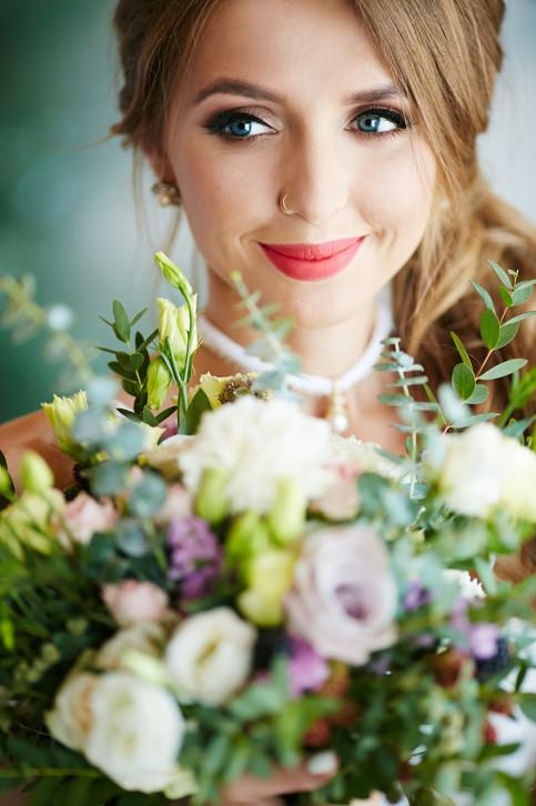 Young-bride-388411.jpg