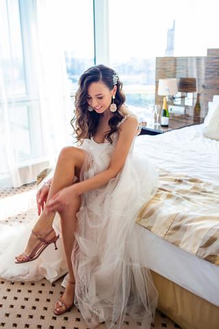 Bride-getting-ready-412079.jpg