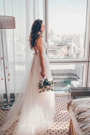 Portrait-of-a-bride-at-a-hotel-412187.jpg