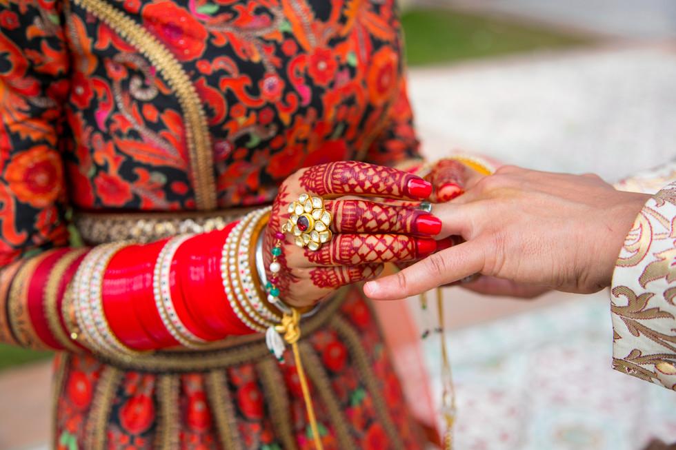 Indian-bride-and-groom-761900.jpg