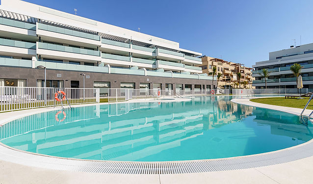 Célere-cala-serena-piscina-1.jpg