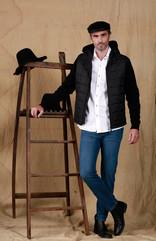 Gorra Village Cuero - Camisa Oxford Esquel - Campera Alexis - Jean Posadas Clásico