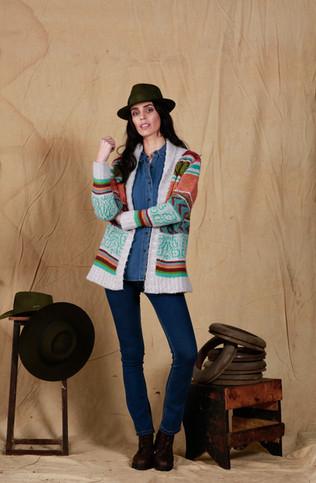 Camisa Nicole - Cardigan Alessia - Jean Victoria Temporada - Borcego Marisol