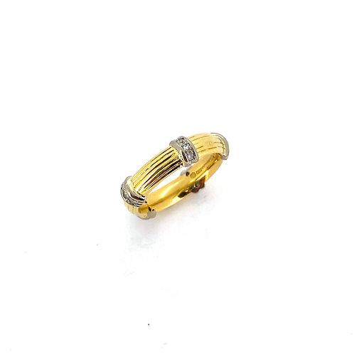Estate 18KTT Ribbed Ring