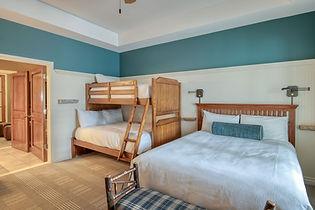 lebear-2-38-guest-room.jpeg