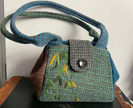 100% Harris Tweed dot bag II