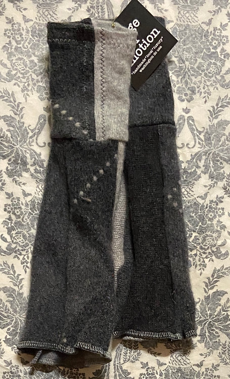 chunky grey 100% cashmere gloves