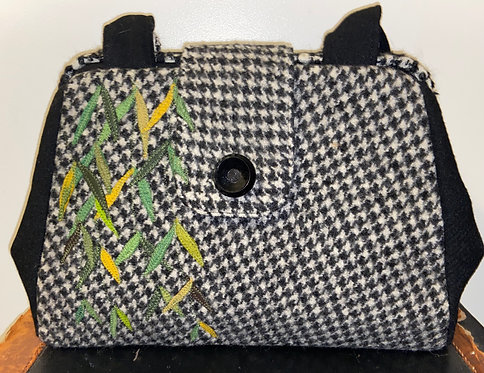 houndstooth in black and white with willow evelyn bag