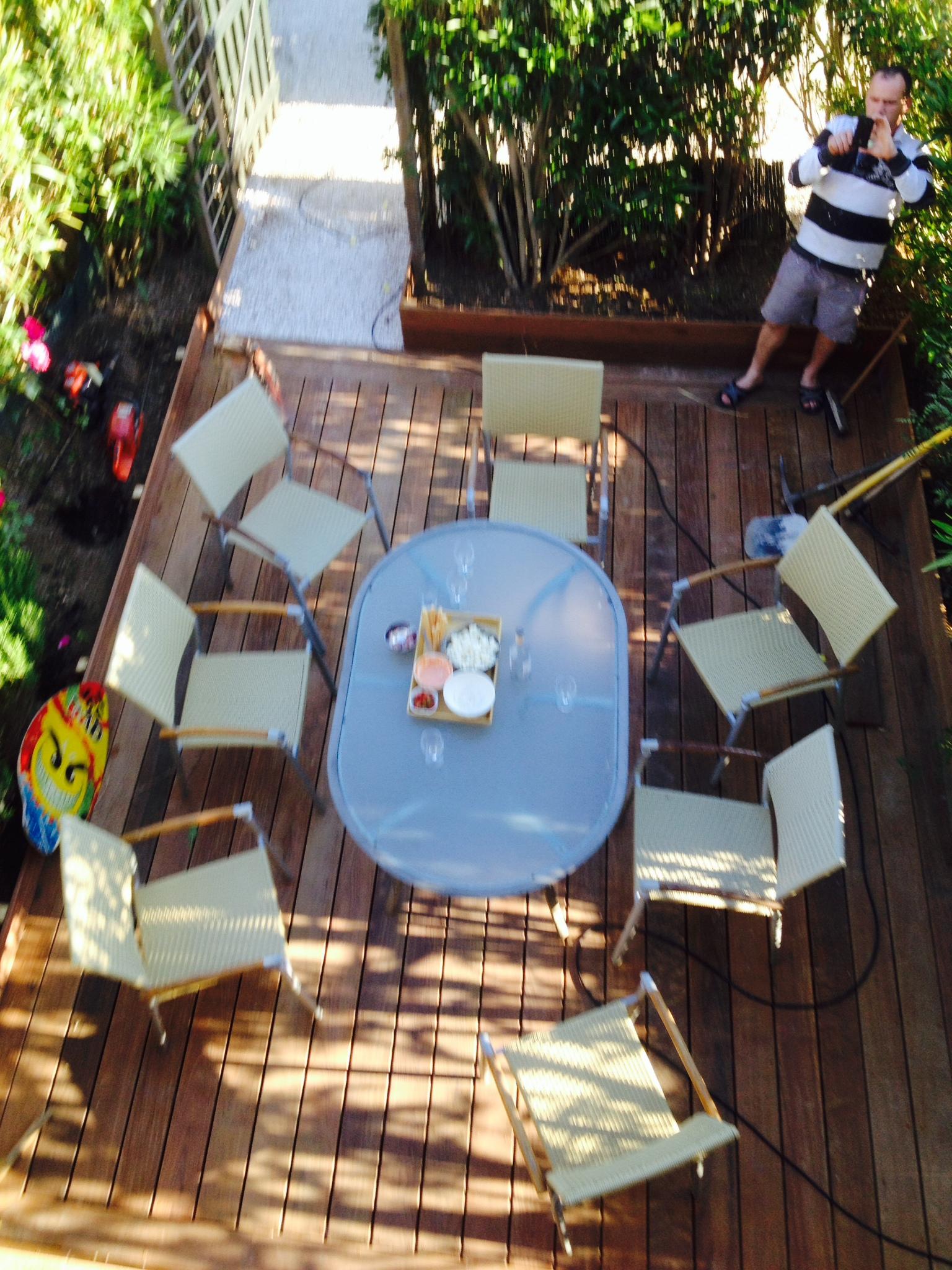 La terrasse côté piscine