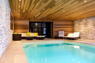 The wimming pool and sitting room