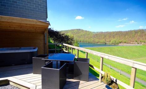 la terrasse vue sur le lac