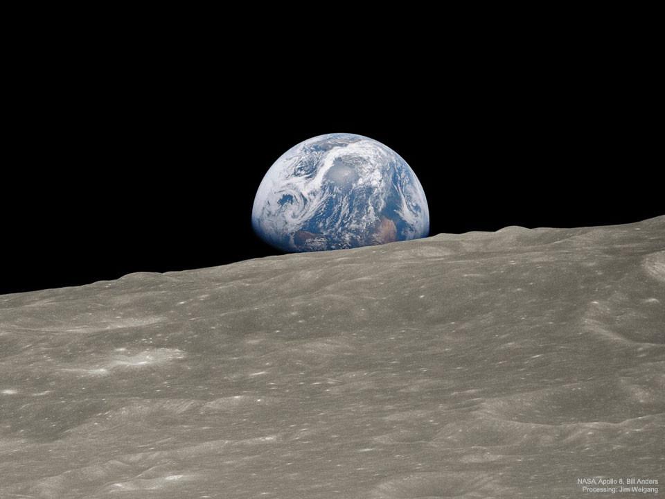 Earthrise (Source: NASA)