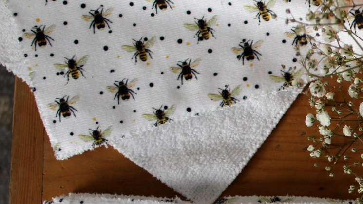 Reuseable Face Wipe Large Bee Design