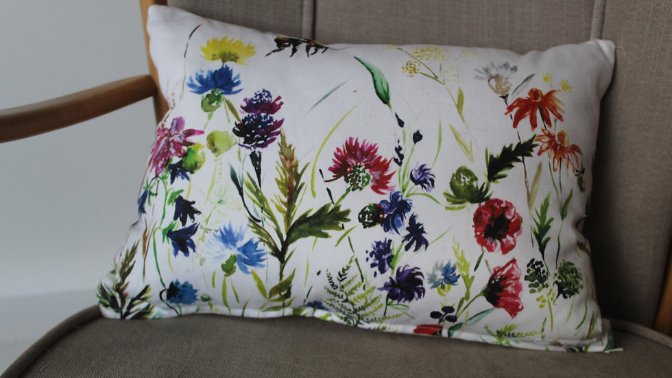 Wildlflower and Bees cotton cushion