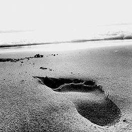 Footprint-in-the-sand.jpg