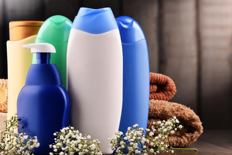 butelki szamponów