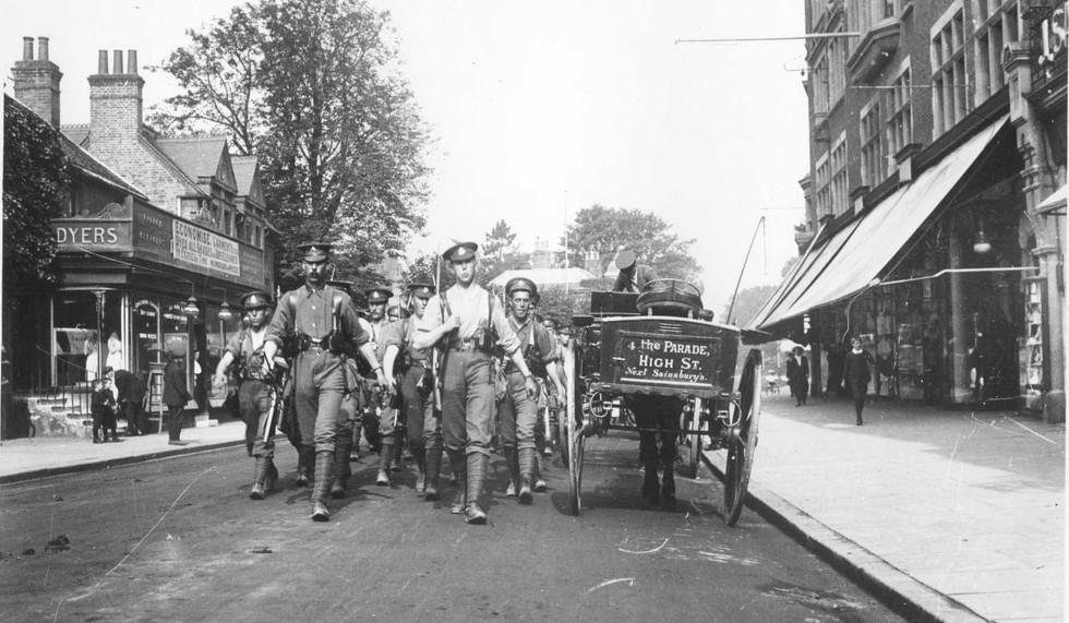 WW1 Troops in High Street, nr old Clemen