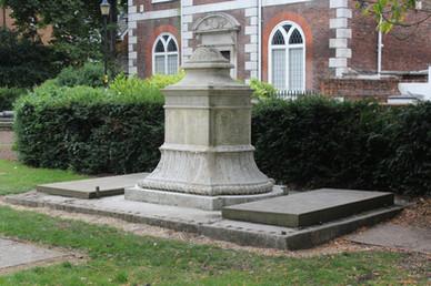 Clutterbuck Tomb, St Mary's Churchyard