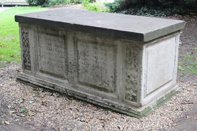 Shipton-Finch Tomb, St Mary's Churchyard