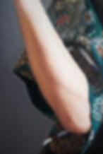 L Hand mid.jpg