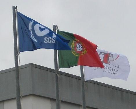 Bandeiras mastro.jpg