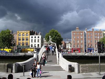 Halpenny Bridge, Dublin. fotolia.jpg