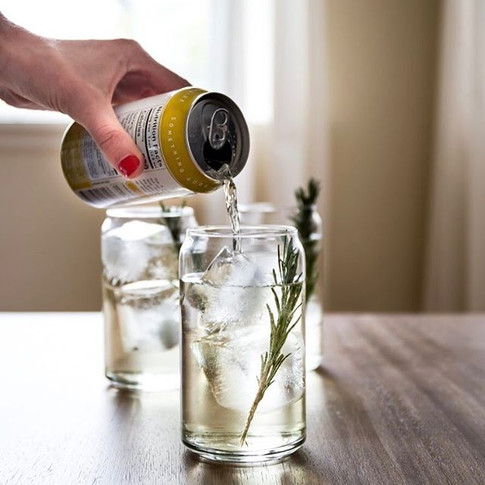 Drink it straight from the can, or enjoy it over ice 💪🙌 #portlandsangria_-_-_-_-_-_-_#pdx #pdxwine #pdxnow #wine #winecocktail #wineinacan #